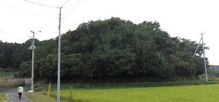 三島古墳(縮小).jpg